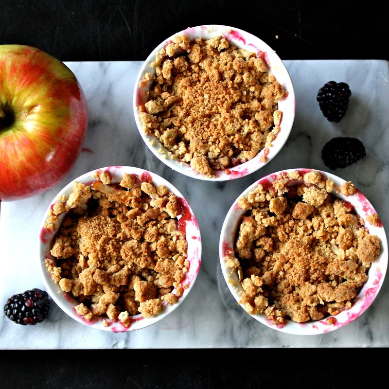 Apple Blackberry Crumble | Lea & Jay