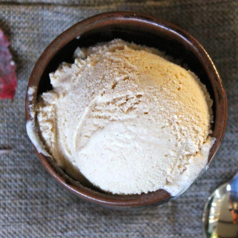 Cinnamon Vanilla Bean Ice Cream | Lea & Jay