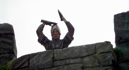 monty-python-and-the-holy-grail-french-taunter (1)